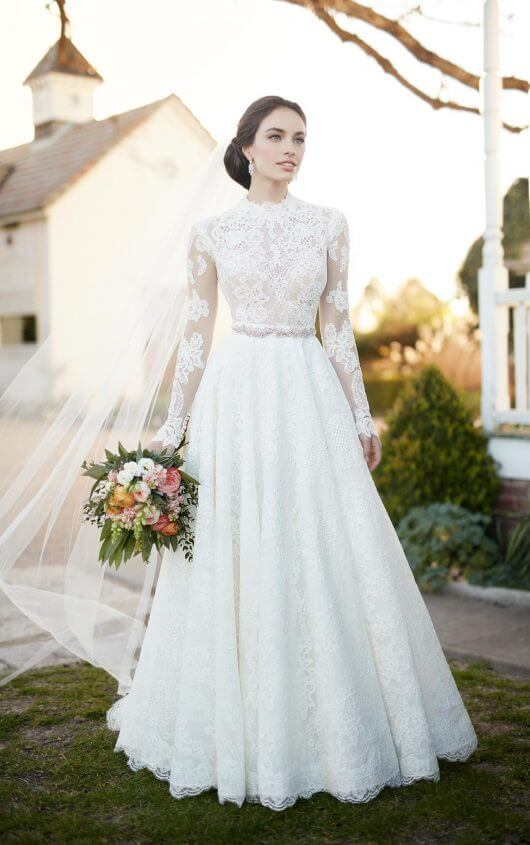 Romantic lace wedding separates