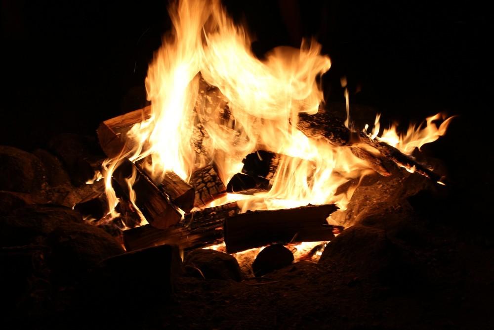 campfire-night.jpg