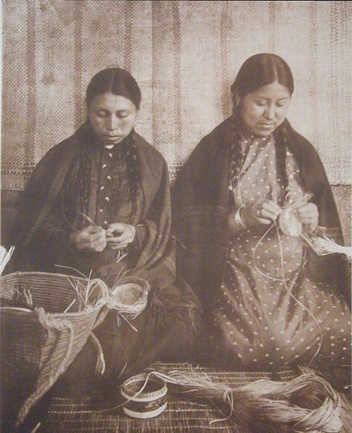 512px-Makah_Indian_Basket-Weavers