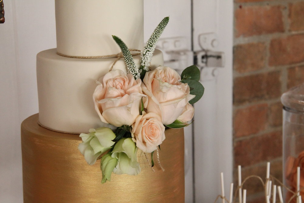 {Wedding Cake with peach flowers} Creative & Unique Wedding Cakes | Yummy Little Cakes - Nottingham | www.yummylittlecakes.co.uk
