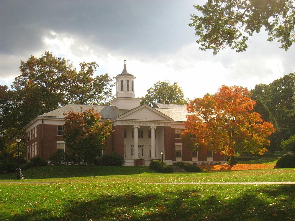 Amherst_College_buildings_-_IMG_6512.JPG