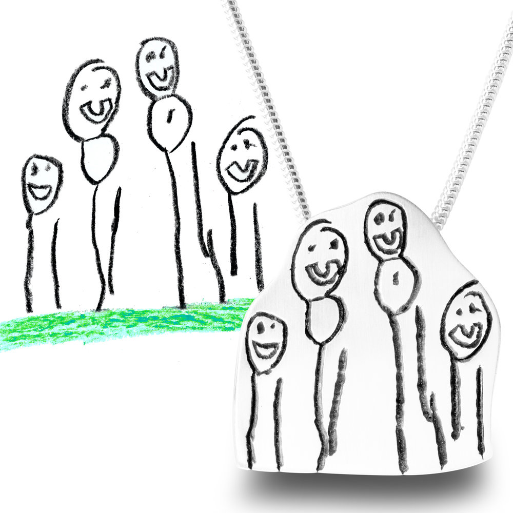 A family portrait make a perfect pendant for Mummy