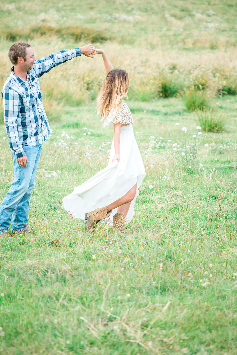 Beautiful outdoor engagement session | What to wear | Photo Inspiration | Engagement session | Portrait | White | Detail Shots | Mastin Labs | Engaged | Fuji 400 | Dancing | Couple Dancing in Field
