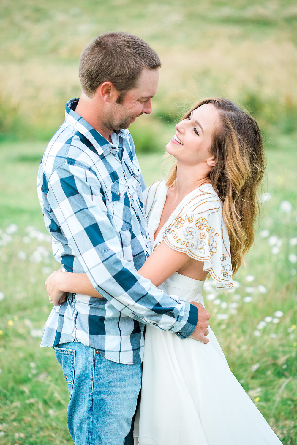 Beautiful outdoor engagement session | What to wear | Photo Inspiration | Engagement session | Portrait | White | Detail Shots | Mastin Labs | Engaged | Fuji 400 | Beautiful Couple | Couple in Love | Beautiful posing