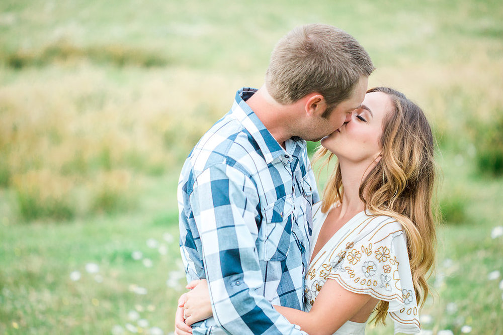 Beautiful outdoor engagement session | What to wear | Photo Inspiration | Engagement session | Portrait | White | Detail Shots | Mastin Labs | Engaged | Fuji 400 | Beautiful Couple | Couple in Love | Beautiful posing | Kiss Shot