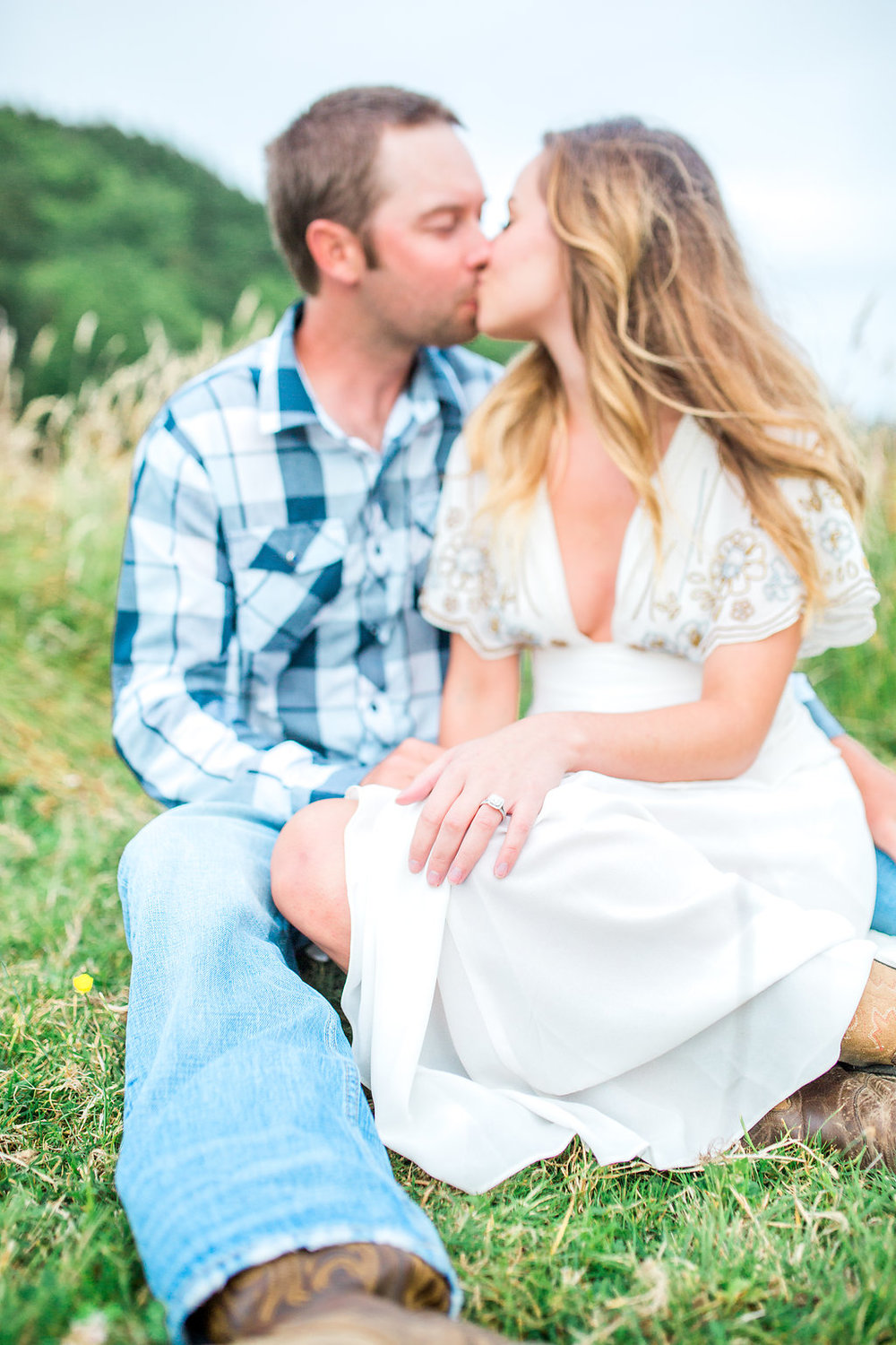 Beautiful outdoor engagement session | What to wear | Photo Inspiration | Engagement session | Portrait | White | Detail Shot | Ring Shot | Mastin Labs | Engaged | Fuji 400 | Beautiful Couple | Couple in Love | Beautiful posing