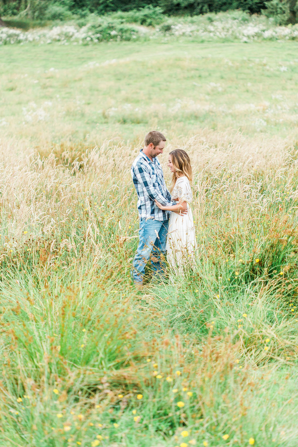 Beautiful outdoor engagement session | What to wear | Photo Inspiration | Engagement session | Portrait | White | Detail Shots | Mastin Labs | Engaged | Fuji 400 | Beautiful Couple | Couple in Love | Beautiful posing | Hair Piece for Photo Session | Engaged to be Married