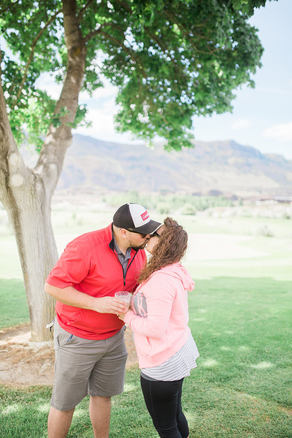 Golf Course Proposal | 9th Hole Proposal | Golf Course Photo Session | Beautiful Engagement Session | Seattle Wedding Photographer | Surprise Proposal | Kiss Shot