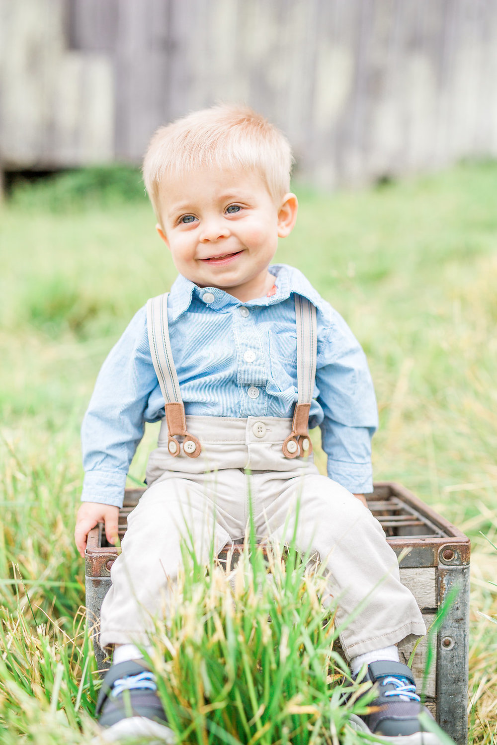 Family Photo Session | What to Wear for Family Pictures | Twin Photo Session | Family Photography | Mastin Labs | Lifestyle Photography | Twin Boys Photo Session | Adorable Baby Boy Sitting on Wood Crate