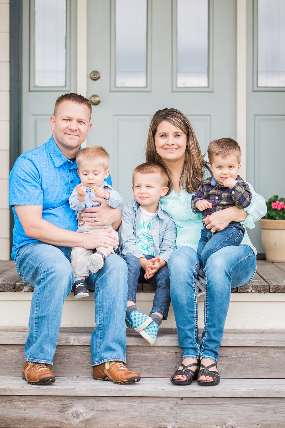 Family Photo Session | What to Wear for Family Pictures | Twin Photo Session | Family Photography | Mastin Labs | Lifestyle Photography | Twin Boys Photo Session | Beautiful Family on Front Porch | Front Porch Photo Shoot