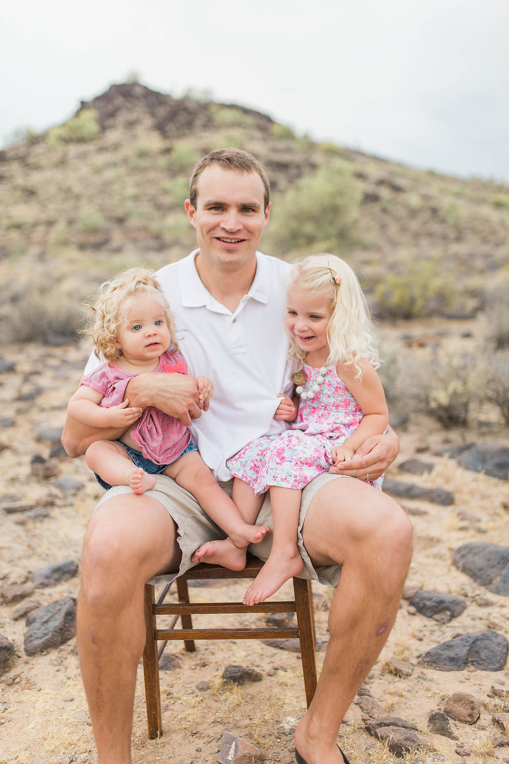 Desert Family Photo Shoot in Arizona | Emma Rose Company | Portrait Photographer | Seattle Wedding Photographer | Adorable Family Photo Shoot Outside | Family Posing | Cute Kids with Dad | Family Photo Shoot | Daddy Daughter Pictures