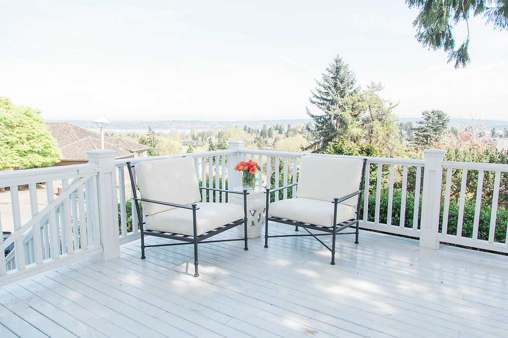 Fresh Flowers | Exterior Design | Dreamy White Lifestyle | Patio Goals | Dream White Home | Dream Home Tour | White House | Stunning Space | As Featured in Style Me Pretty | SMP Living | Gorgeous Patio Design and Decor | How to Style Your Patio
