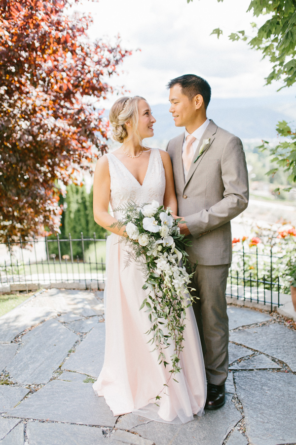 Intimate Backyard Blush Fairytale Wedding | Wenatchee Wedding Photographer | Fine Art Seattle Wedding Photographer | Blush Wedding | Wedding Details | Getting Ready | Perfect First Look