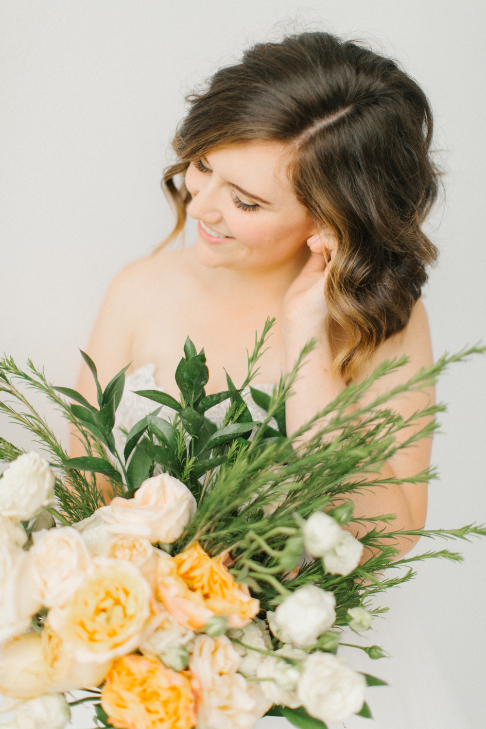 Seattle Fine Art Wedding Photographer | Seattle Downtown White Studio Bridal Session | Stunning Wedding Bouquet | Seattle Bride | Seattle Wedding | Photography Studio Space | Emma Rose Company Wedding Photography-27.jpg