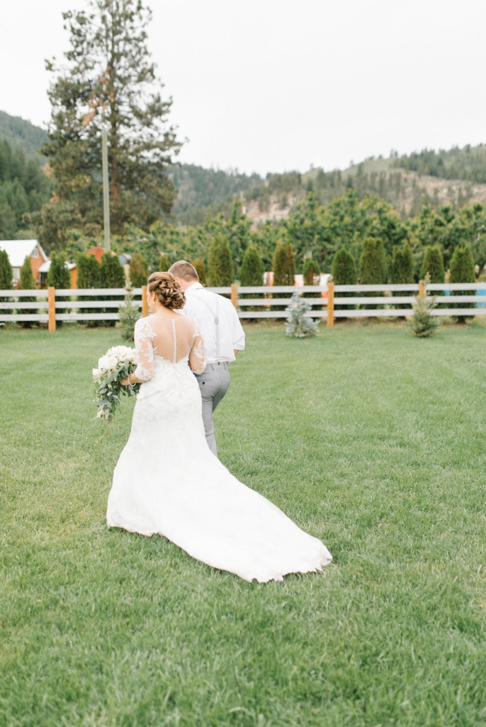 Wenatchee Wedding Photographer | Hampton Hideaway | Summer Rustic Wedding Eastern Washington | Emma Rose Company | Pastel Wedding Inspiration | Lace Wedding | Pacific Northwest Wedding 34.jpg