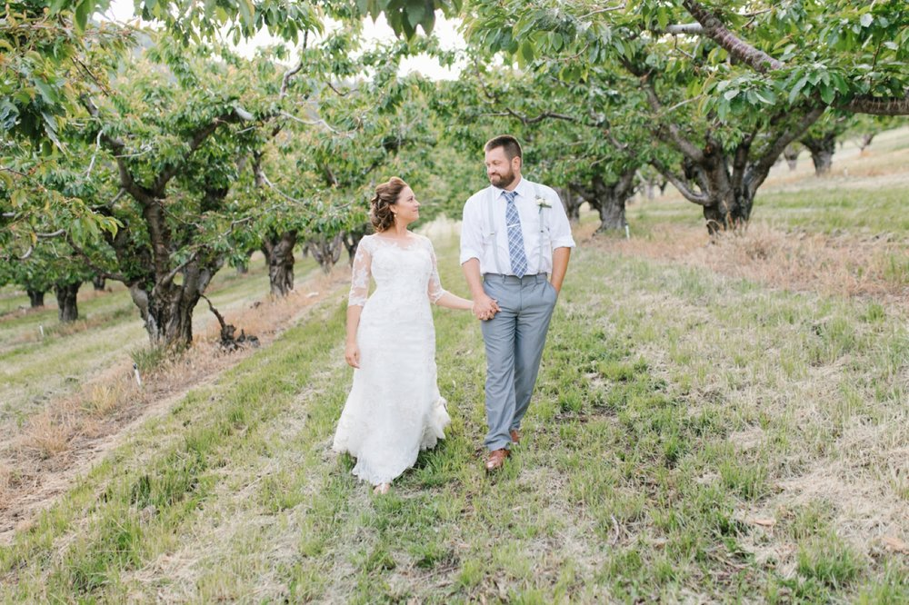 Wenatchee Wedding Photographer | Hampton Hideaway | Summer Rustic Wedding Eastern Washington | Emma Rose Company | Pastel Wedding Inspiration | Lace Wedding | Pacific Northwest Wedding 106.jpg