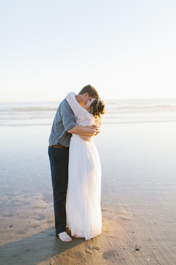Oceanside Oregon Beach Wedding | Sunset Portraits by the Ocean | Oregon Bride | Oregon Wedding Photography | Wedding on the Beach | Bride and Groom Beach Portraits-13.jpg