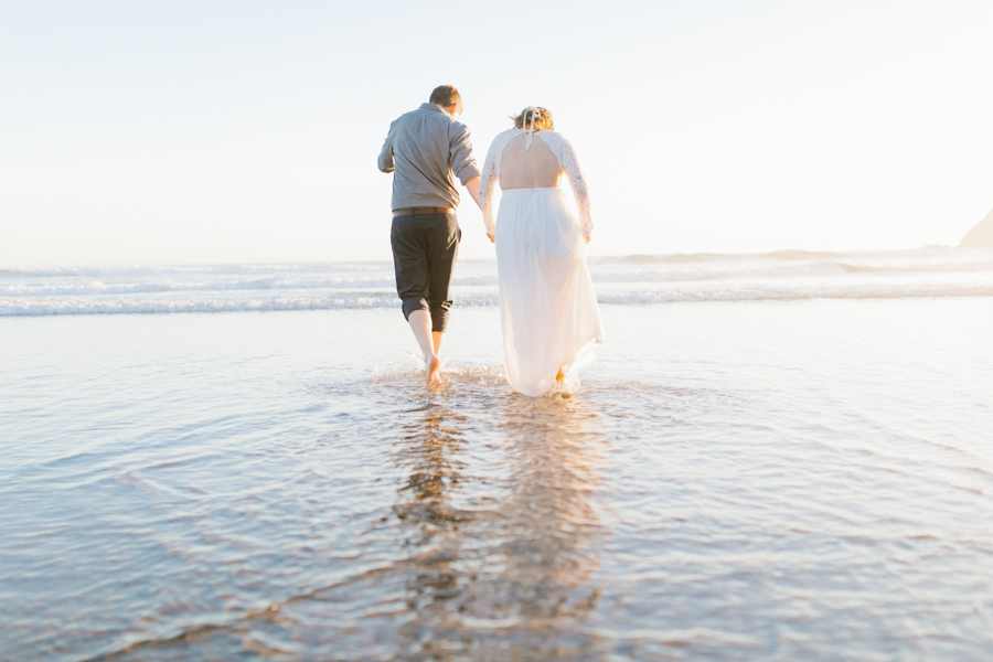 Oceanside Oregon Beach Wedding | Sunset Portraits by the Ocean | Oregon Bride | Oregon Wedding Photography | Wedding on the Beach | Bride and Groom Beach Portraits-19.jpg