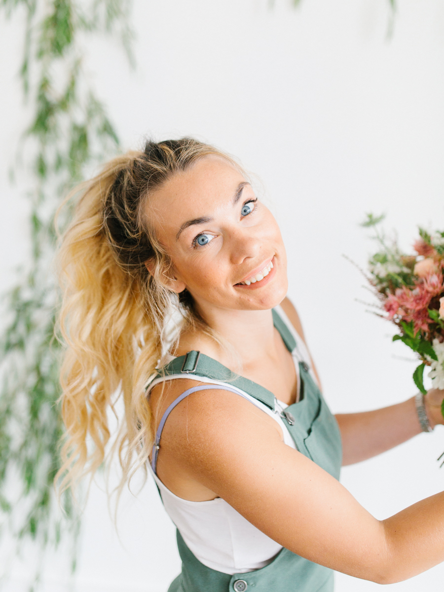 Studio Inspired Styled Shoot Behind the Scenes | How to put together a styled shoot | Rhodesia Flower Florist South Bend, Washington | Emma Rose Company Studio Session | VSCO-21.jpg