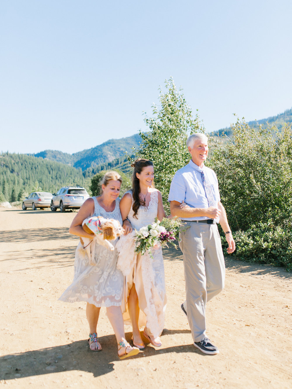 Leavenworth Washington Mountain Top | Wedding | Intimate Wedding Inspiration Outdoors | Pybus Bistro Wenatchee, Washington | VSCO | Simple Wedding | PNW Wedding | Emma Rose Company-25.jpg