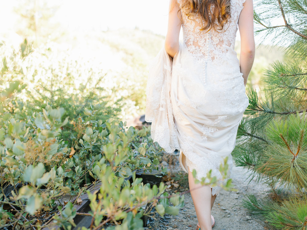 Leavenworth Washington Mountain Top | Wedding | Intimate Wedding Inspiration Outdoors | Pybus Bistro Wenatchee, Washington | VSCO | Simple Wedding | PNW Wedding | Emma Rose Company-66.jpg
