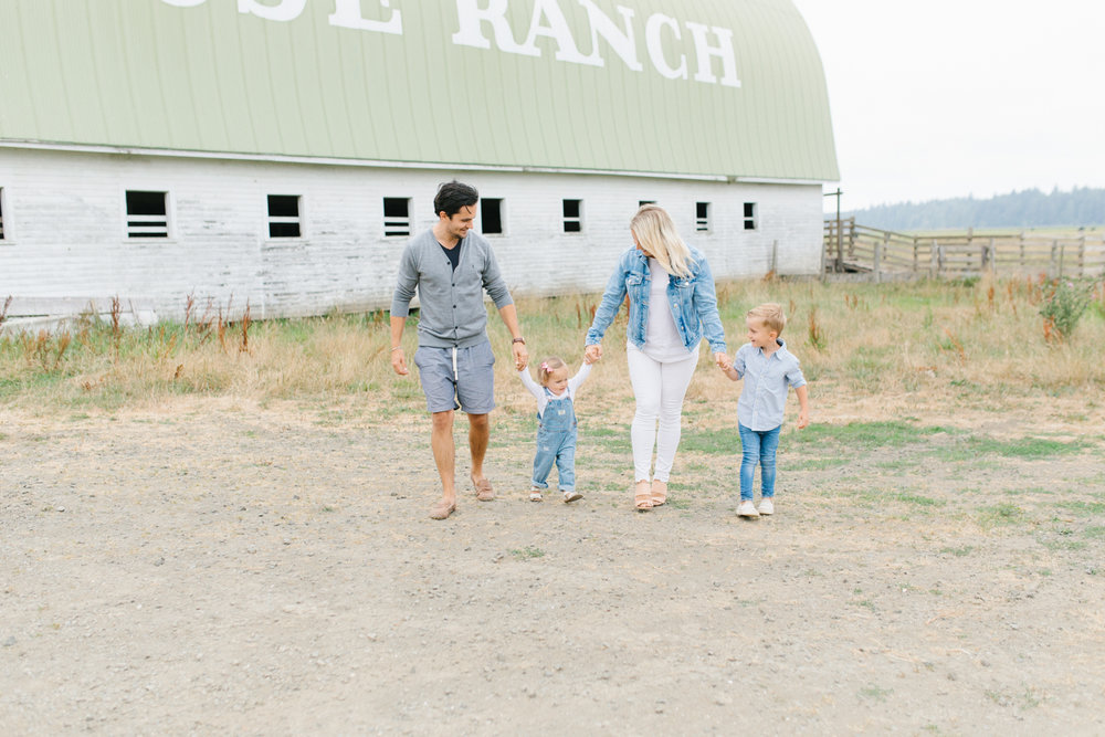 Rose Ranch Family Photo Session | Monika Hibbs Family Session in South Bend, Washington | What to Wear for Family Pictures | Pacific Northwest Family Session with Emma Rose Company-55.jpg