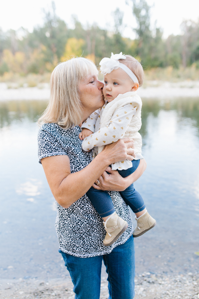 A Beautiful Fall Family Photo Session | What to Wear to Fall Photos | Leavenworth Washington Family Photographer | Emma Rose Company | Gorgeous Sunset Fall Family Portrait Session | Enchantment Park Leavenworth, Washington-22.jpg