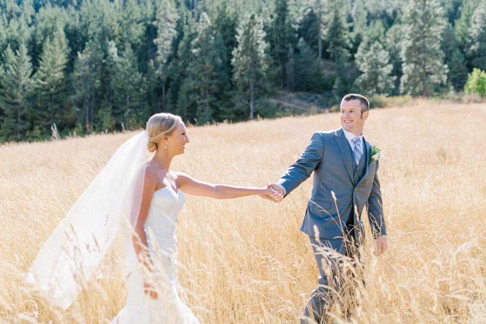 Hampton Hideaway | Wenatchee, Washington | A Fall Blush Wedding | VSCO | Emma Rose Company | Seattle Wedding Photographer Light and Airy | PNW Wedding-11.jpg