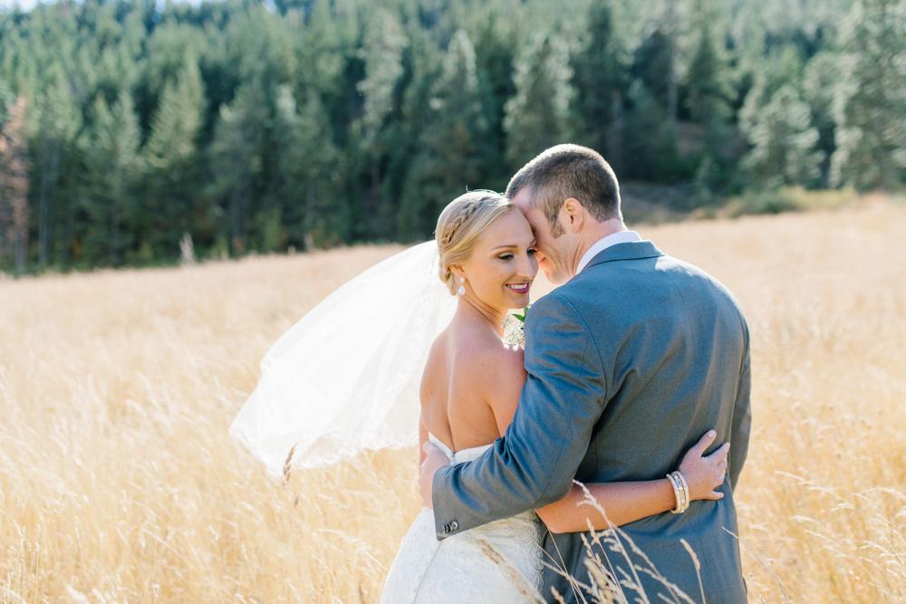 Hampton Hideaway | Wenatchee, Washington | A Fall Blush Wedding | VSCO | Emma Rose Company | Seattle Wedding Photographer Light and Airy | PNW Wedding-12.jpg