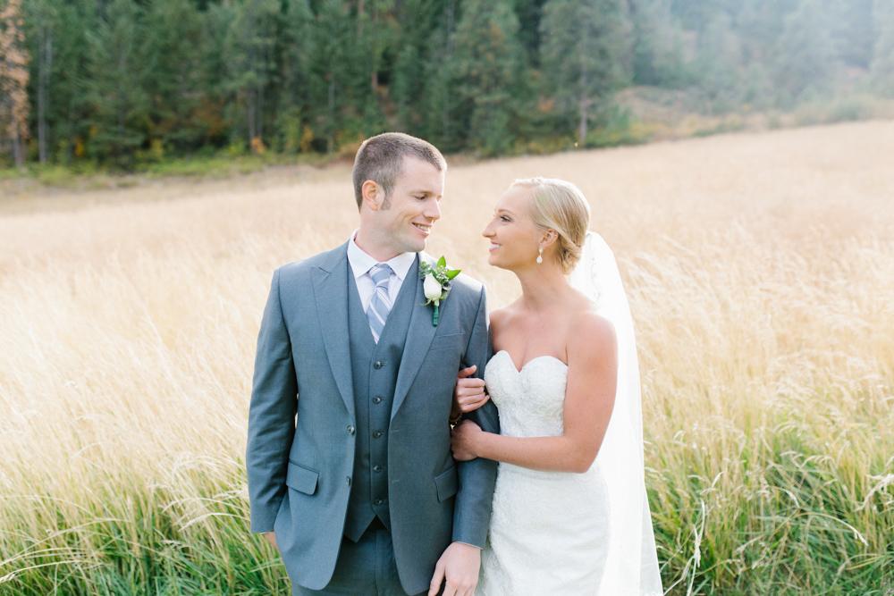 Hampton Hideaway | Wenatchee, Washington | A Fall Blush Wedding | VSCO | Emma Rose Company | Seattle Wedding Photographer Light and Airy | PNW Wedding-30.jpg