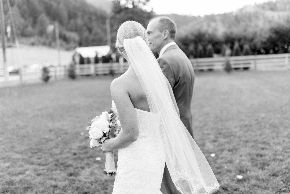 Hampton Hideaway | Wenatchee, Washington | A Fall Blush Wedding | VSCO | Emma Rose Company | Seattle Wedding Photographer Light and Airy | PNW Wedding-37.jpg