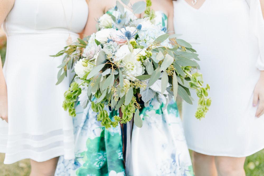 Stunning Fall Washington Wedding | PNW Wedding | Seattle Wedding Photographer Light and Airy | VSCO | Emma Rose Company Photography | Hydrangea Wedding Dress | Wedding Details | Non Traditional Wedding Gown-22.jpg