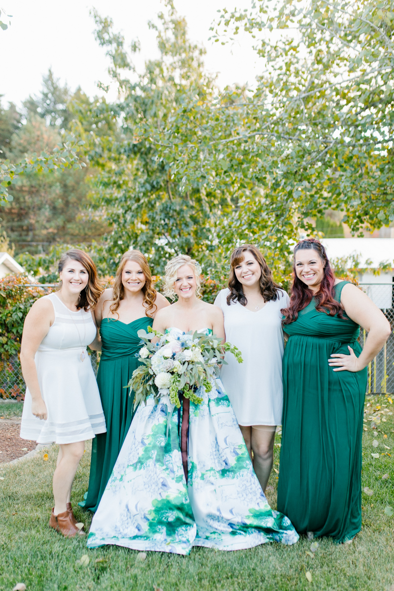 Stunning Fall Washington Wedding | PNW Wedding | Seattle Wedding Photographer Light and Airy | VSCO | Emma Rose Company Photography | Hydrangea Wedding Dress | Wedding Details | Non Traditional Wedding Gown-23.jpg