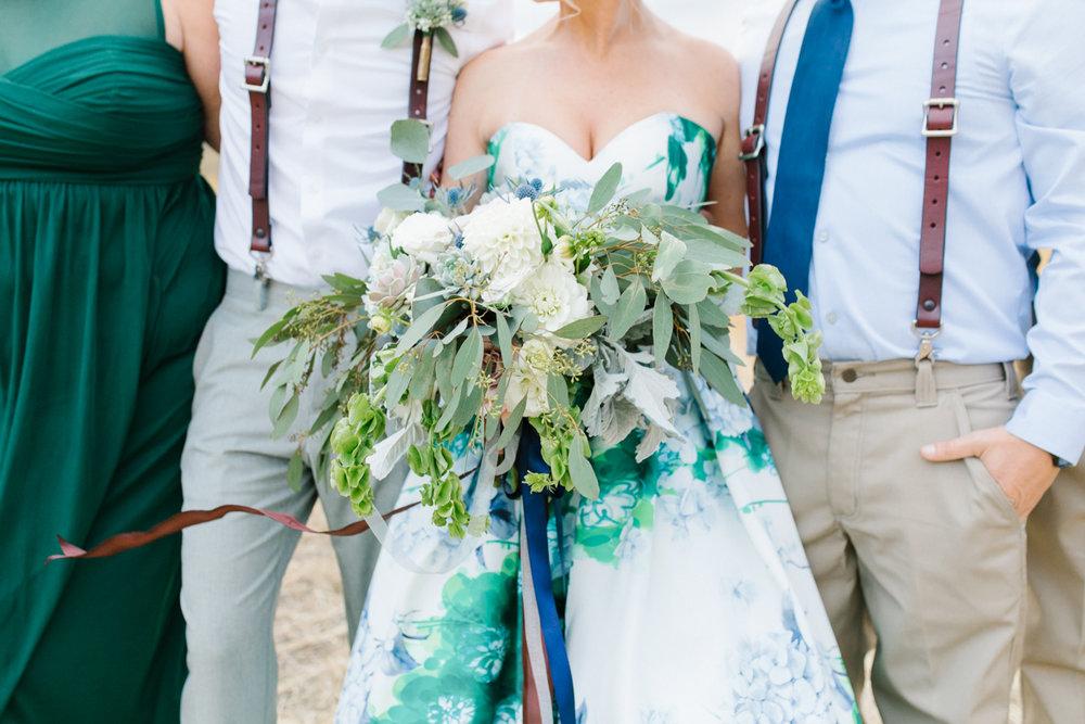 Stunning Fall Washington Wedding | PNW Wedding | Seattle Wedding Photographer Light and Airy | VSCO | Emma Rose Company Photography | Hydrangea Wedding Dress | Wedding Details | Non Traditional Wedding Gown-76.jpg