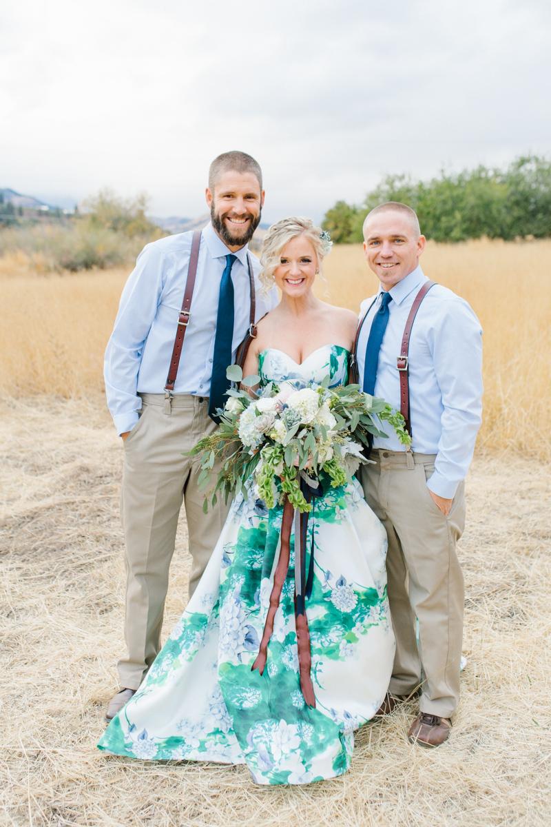 Stunning Fall Washington Wedding | PNW Wedding | Seattle Wedding Photographer Light and Airy | VSCO | Emma Rose Company Photography | Hydrangea Wedding Dress | Wedding Details | Non Traditional Wedding Gown-78.jpg