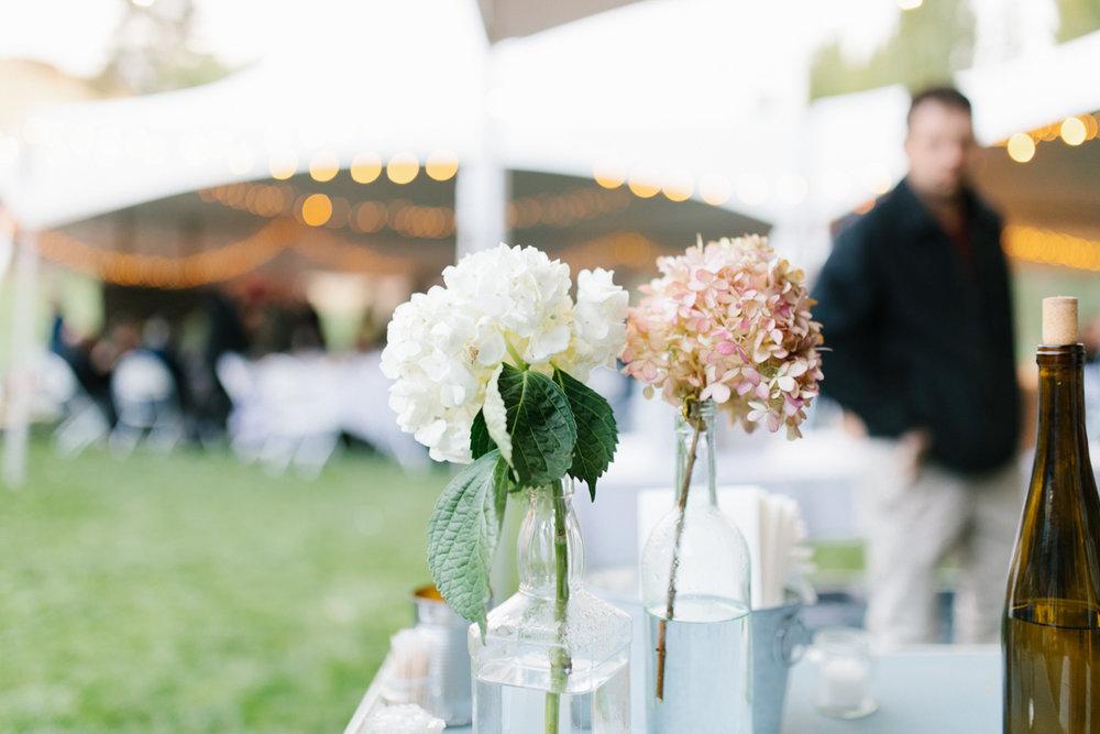 Stunning Fall Washington Wedding | PNW Wedding | Seattle Wedding Photographer Light and Airy | VSCO | Emma Rose Company Photography | Hydrangea Wedding Dress | Wedding Details | Non Traditional Wedding Gown-87.jpg
