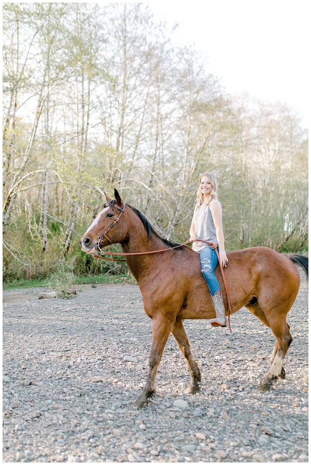 Sunset Senior Session with Horse | Senior Session Inspiration Session | Horse Photo Session | Pacific Northwest Light and Airy Wedding and Portrait Photographer | Emma Rose Company | Kindred Presets Horse.jpg