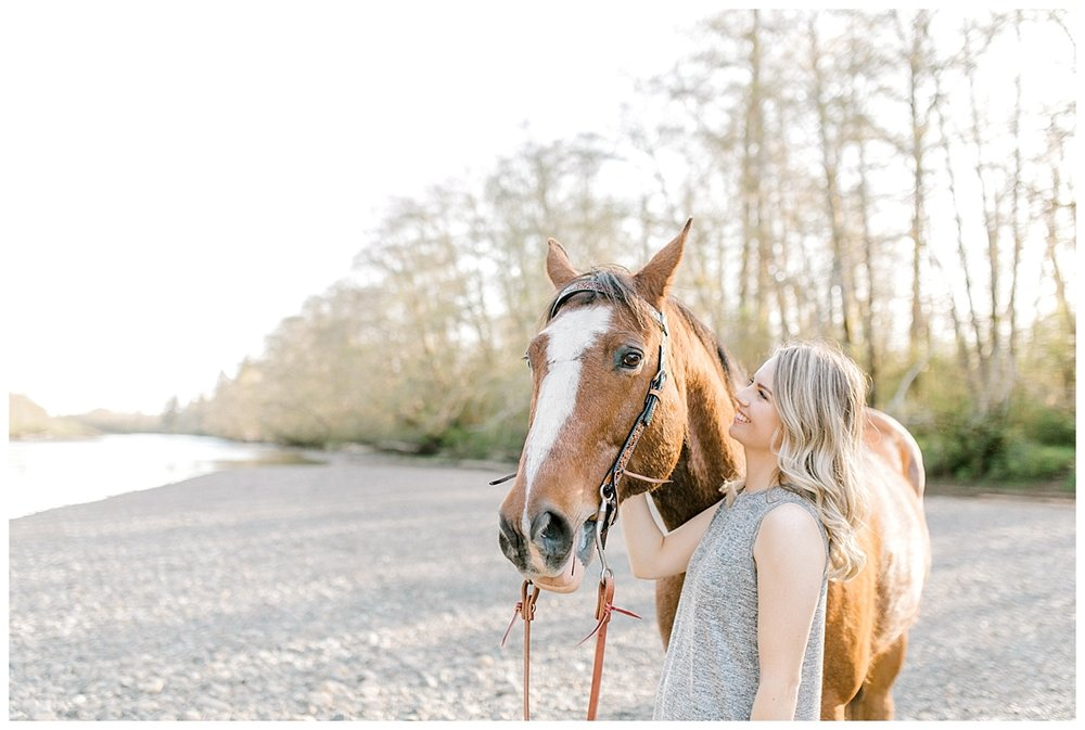 Sunset Senior Session with Horse | Senior Session Inspiration Session | Horse Photo Session | Pacific Northwest Light and Airy Wedding and Portrait Photographer | Emma Rose Company | Kindred Presets With Horse.jpg
