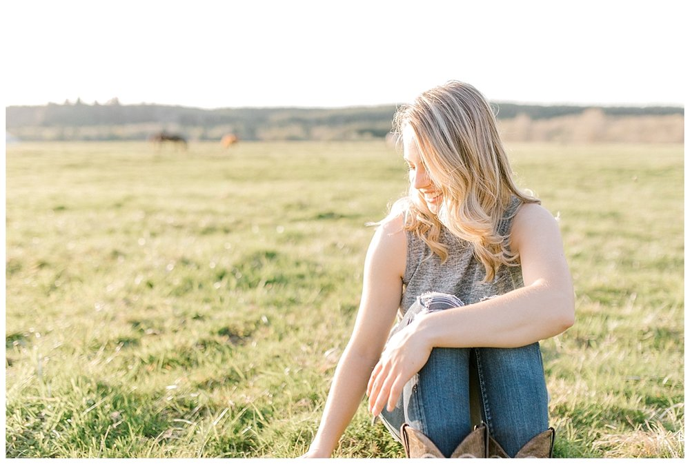 Sunset Senior Session with Horse | Senior Session Inspiration Session | Horse Photo Session | Pacific Northwest Light and Airy Wedding and Portrait Photographer | Emma Rose Company | Kindred Presets Grassy Field.jpg