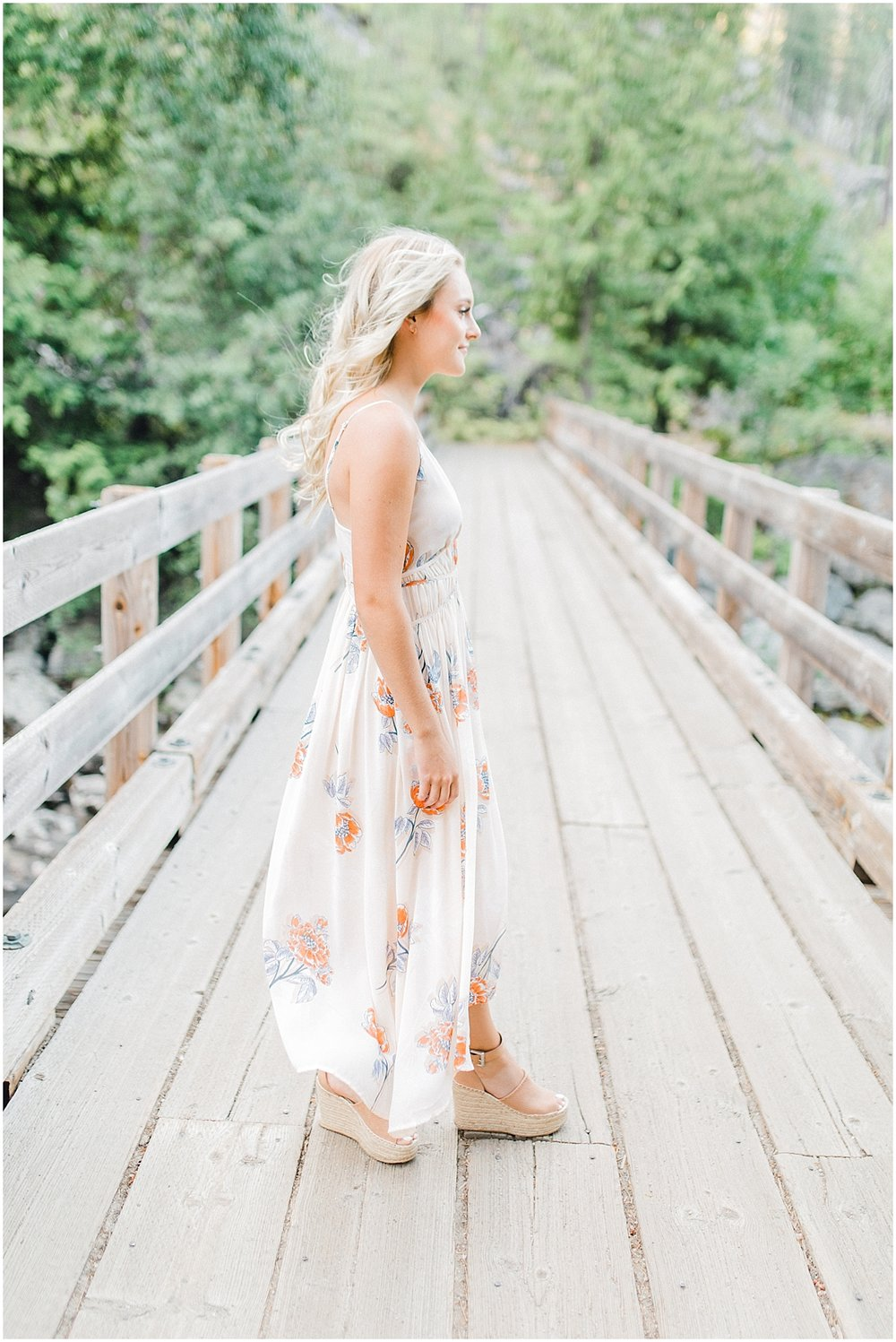 Emma Rose Company | Pacific Northwest Senior Portrait Photographer | Light and Airy Styled Senior Portraits | What to Wear to Senior Pictures | Kindred Presets | Seattle, Wenatchee and Portland Wedding and Portrait Photographer | Emma Rose6.jpg