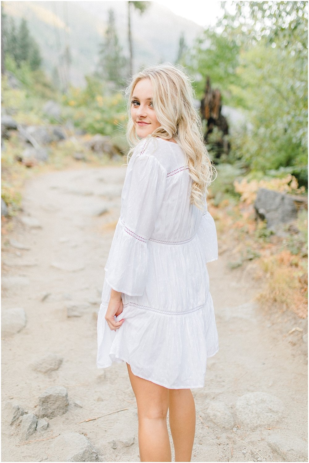 Emma Rose Company | Pacific Northwest Senior Portrait Photographer | Light and Airy Styled Senior Portraits | What to Wear to Senior Pictures | Kindred Presets | Seattle, Wenatchee and Portland Wedding and Portrait Photographer | Emma Rose13.jpg