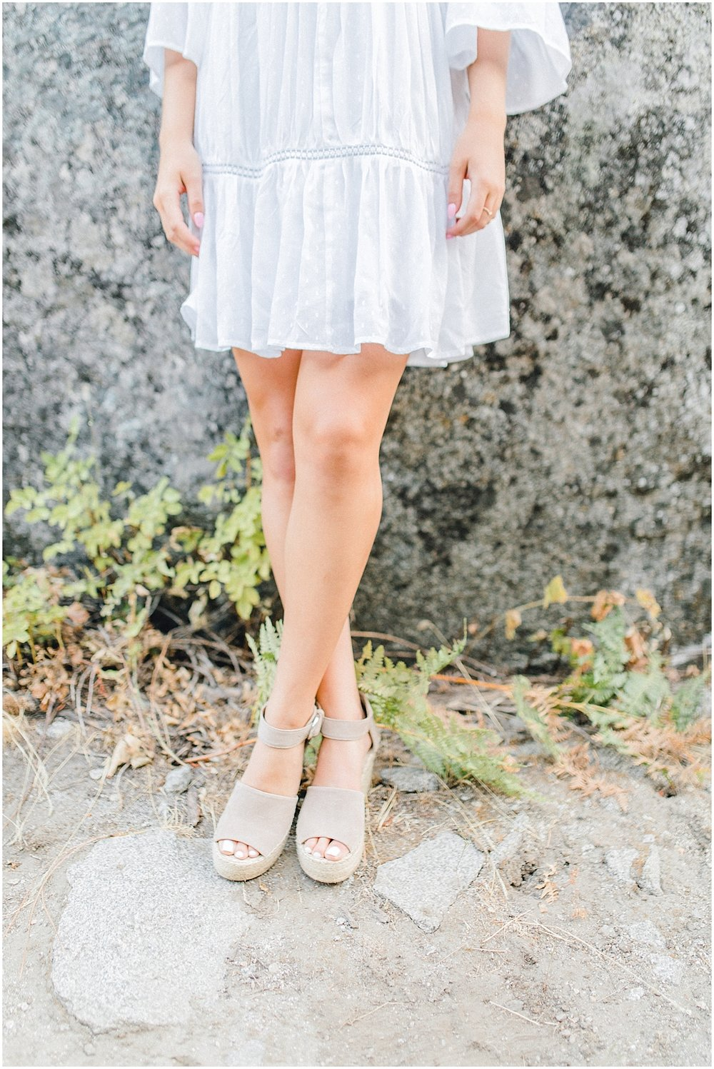 Emma Rose Company | Pacific Northwest Senior Portrait Photographer | Light and Airy Styled Senior Portraits | What to Wear to Senior Pictures | Kindred Presets | Seattle, Wenatchee and Portland Wedding and Portrait Photographer | Emma Rose21.jpg