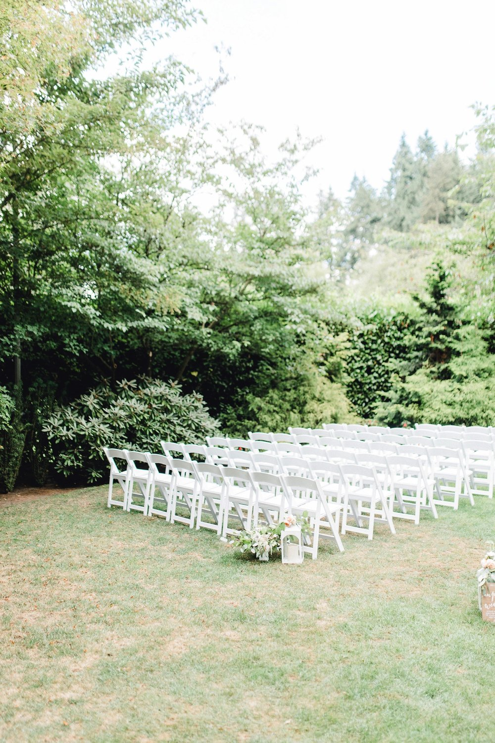 0000000000037_emmarosecompany_katiematt-3176_Photographer_PNW_House_Robinswood_Emma_Light_Company_Airy_Rose_and_Wedding_Seattle.jpg