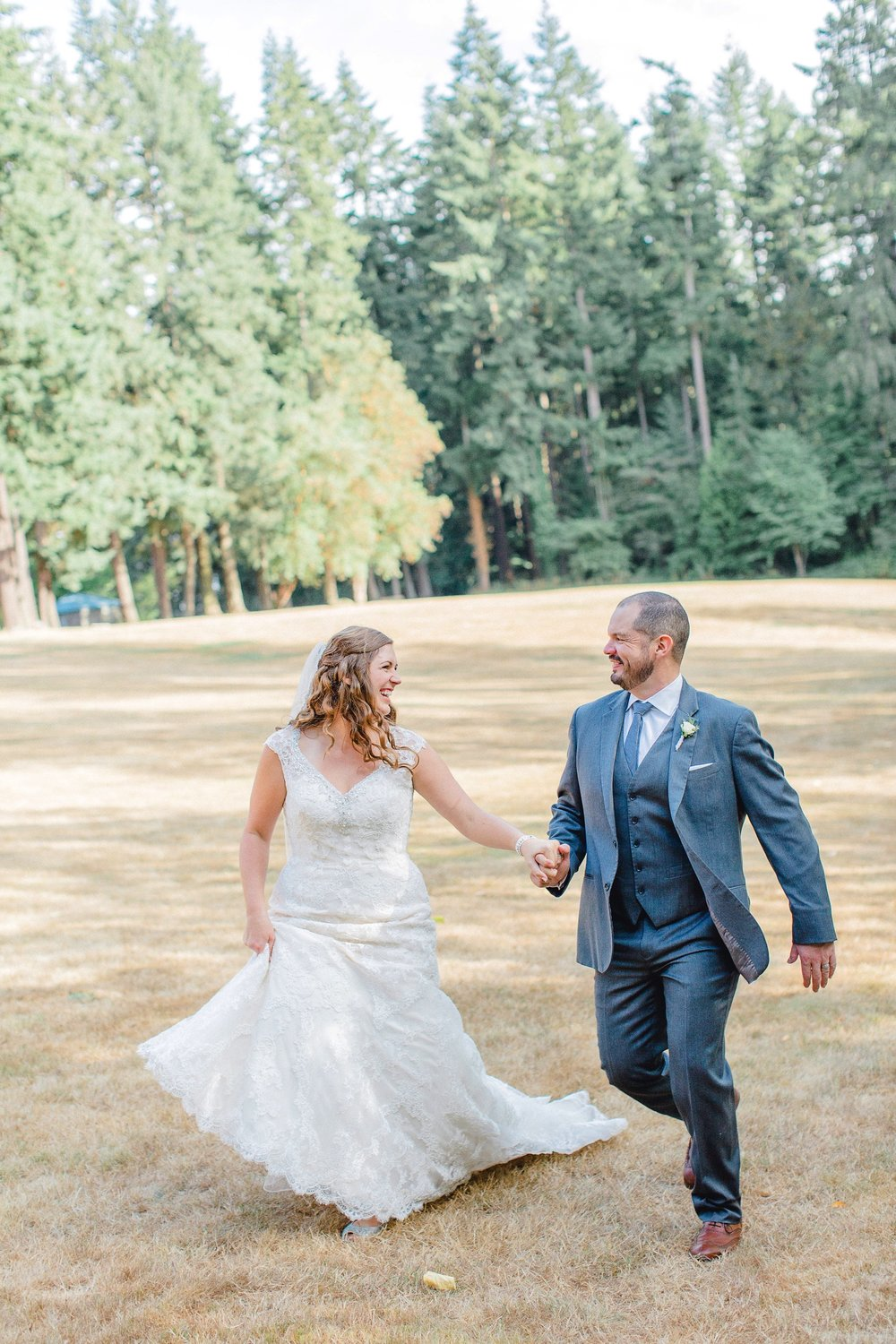0000000000076_emmarosecompany_katiematt-9915_Photographer_PNW_House_Robinswood_Emma_Light_Company_Airy_Rose_and_Wedding_Seattle.jpg