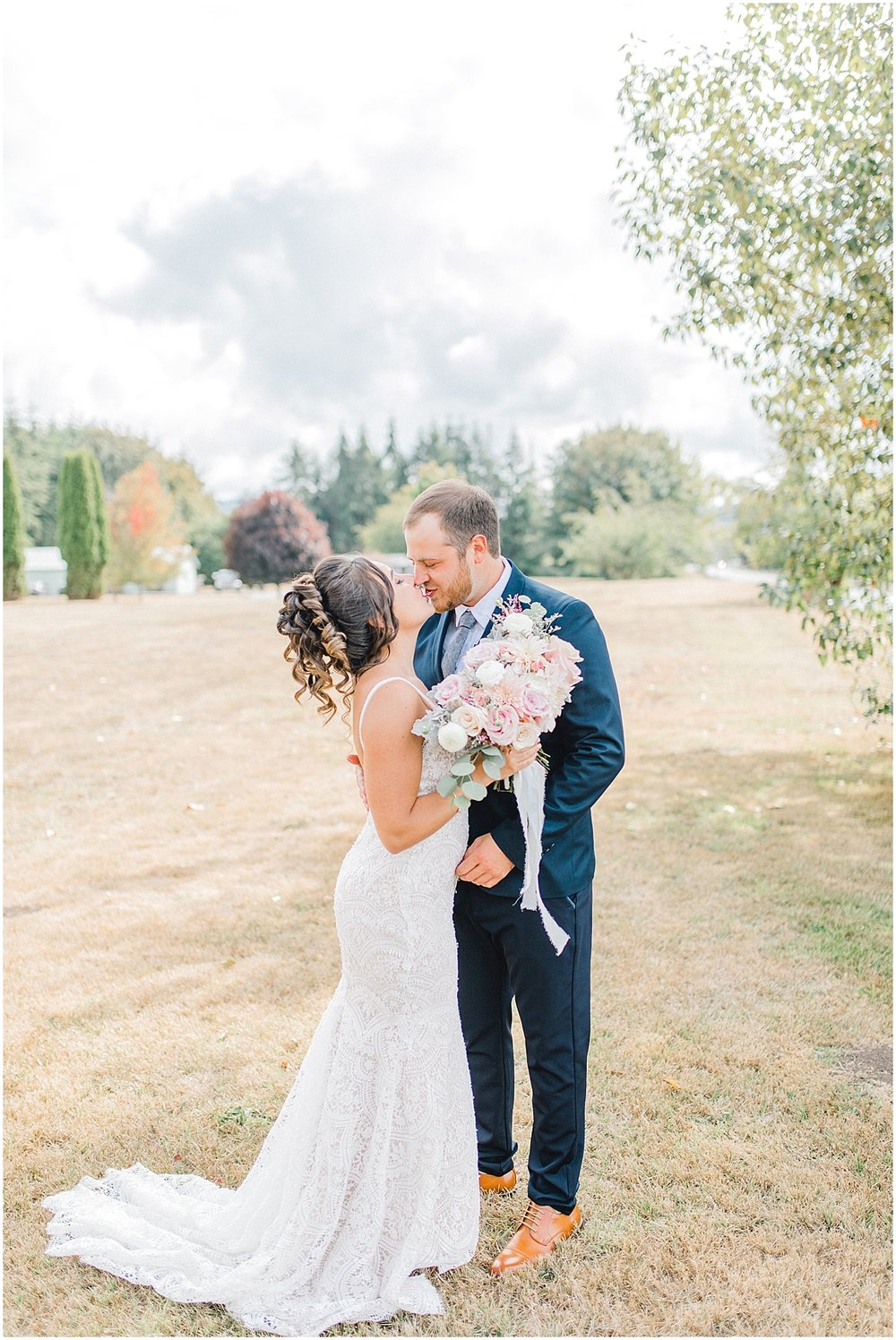 Beautiful mauve wedding in the Pacific Northwest, Emma Rose Company Light and Airy Wedding Photographer Seattle, Washington, Kindred Presets, Wedding Design Details Purple and Blush_0037.jpg