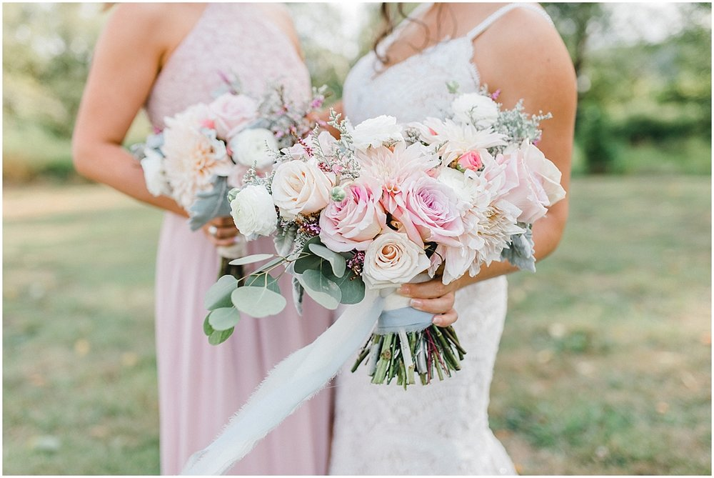 Beautiful mauve wedding in the Pacific Northwest, Emma Rose Company Light and Airy Wedding Photographer Seattle, Washington, Kindred Presets, Wedding Design Details Purple and Blush_0054.jpg