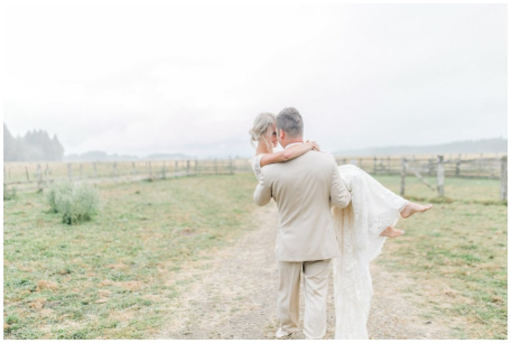 Emma Rose Company Dream Chasers Workshop and Education for Photographer | Light and Airy Rose Ranch Dream Barn Venue Wedding_0043.jpg