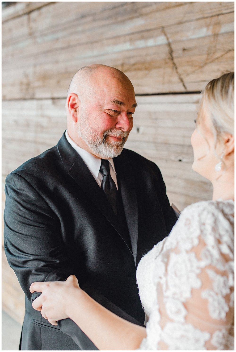 ERC-6910_A beautiful winter wedding in Snohomish, Washington at Thomas Family Farm was simply perfect.  This rustic and modern styled wedding was dripping with romance and photographed by Emma Rose Company, a pacific northwest wedding photographer..jpg