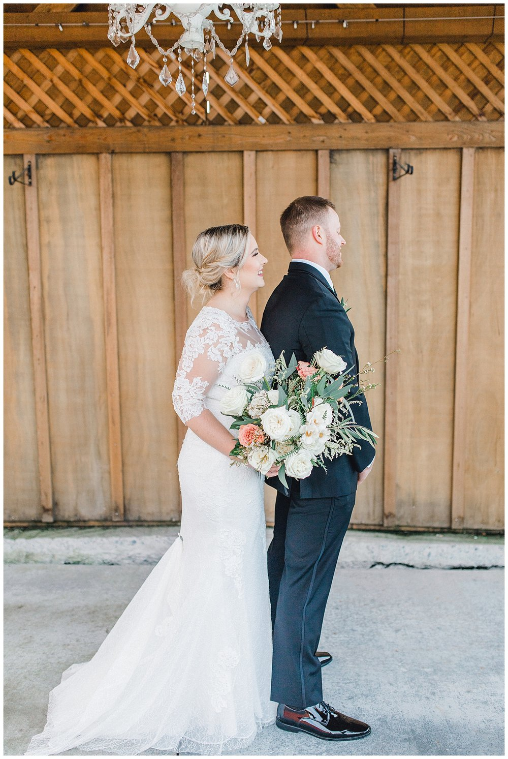 ERC-7065_A beautiful winter wedding in Snohomish, Washington at Thomas Family Farm was simply perfect.  This rustic and modern styled wedding was dripping with romance and photographed by Emma Rose Company, a pacific northwest wedding photographer..jpg