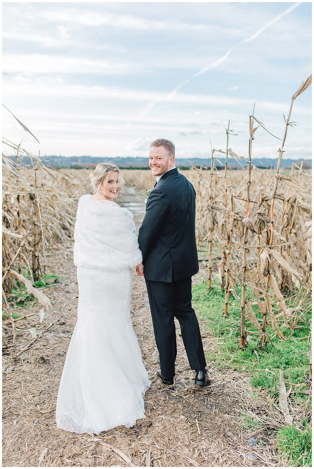 ERC-7452_A beautiful winter wedding in Snohomish, Washington at Thomas Family Farm was simply perfect.  This rustic and modern styled wedding was dripping with romance and photographed by Emma Rose Company, a pacific northwest wedding photographer..jpg